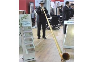 Alpine Horn in Kronoswiss Booth