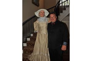 Ann Mitchell and Stee Cole at the Govenor Thomas Bennett House